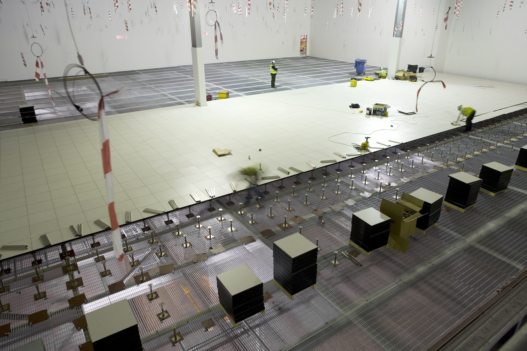 Hp Wynyard Data Centre Connaught Flooring Raised